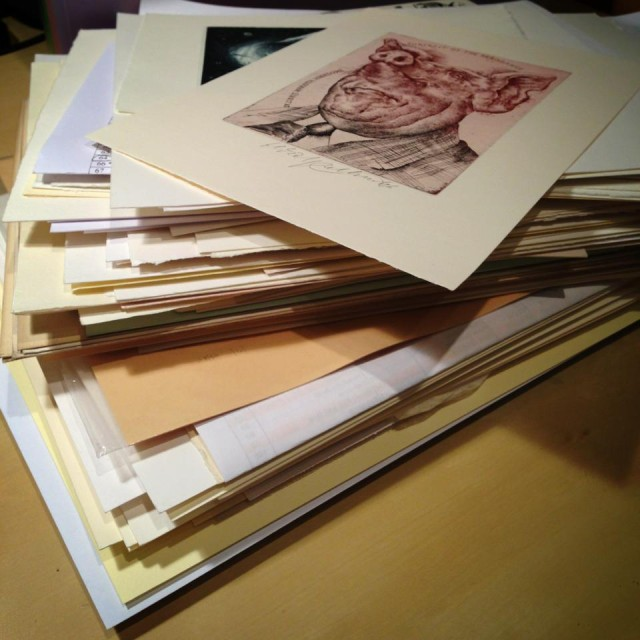 Typický úlovek sběratele Ex Libris po úspěšném výměnném dni.