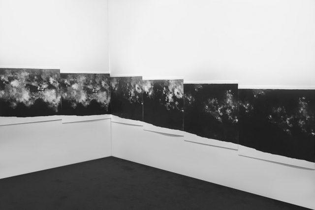 Nic tam není | litografie, instalace,  2018